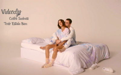 Tie Dye para el videoclip de Carlos Sadness